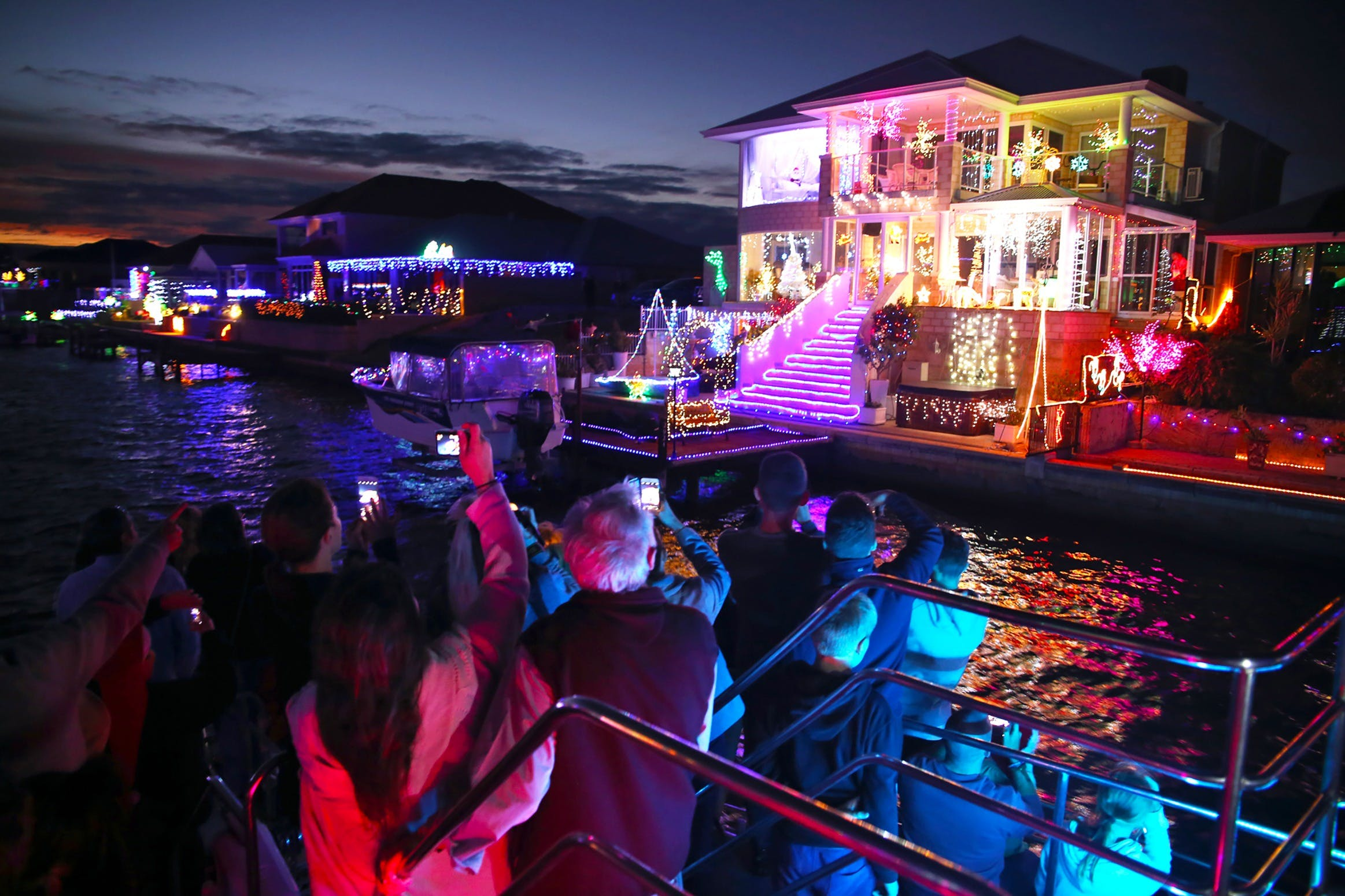 Christmas Lights Cruise - Accommodation Port Macquarie