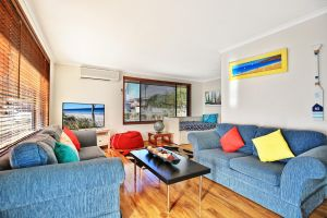 Sandy Toes Beach House Jervis Bay - 2min to Beach - Accommodation Port Macquarie
