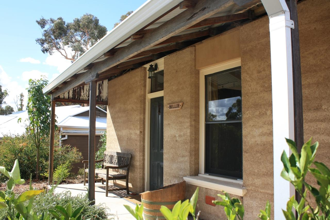 Hotham Ridge Winery and Cottages - Accommodation Port Macquarie