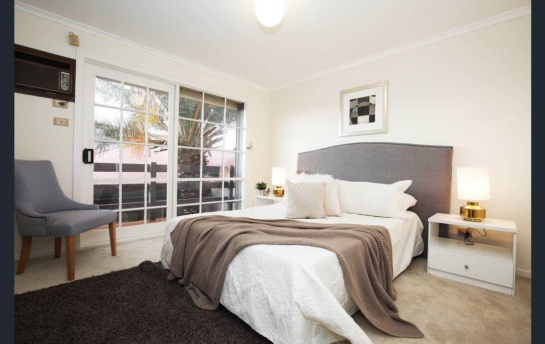 The Gallery Hours - Accommodation Port Macquarie