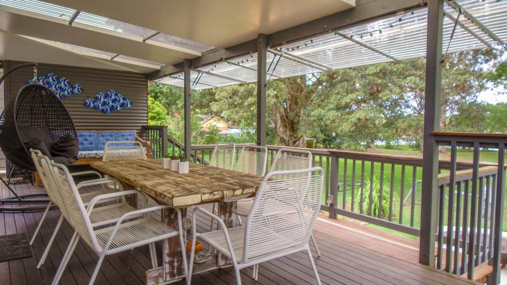 'RIVERSIDE RETREAT' 544 Ocean Drive North Haven - Accommodation Port Macquarie