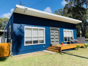 Abode Callala Beach Jervis Bay - 100m to Beach - Accommodation Port Macquarie