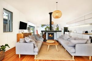 Ayana Beach House - Pet Friendly - Opposite Beach - Accommodation Port Macquarie