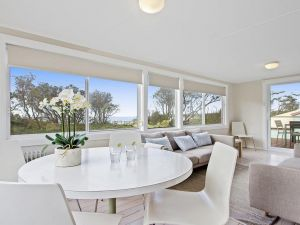 Beachbreak - fall asleep to the sound of the ocean - Accommodation Port Macquarie